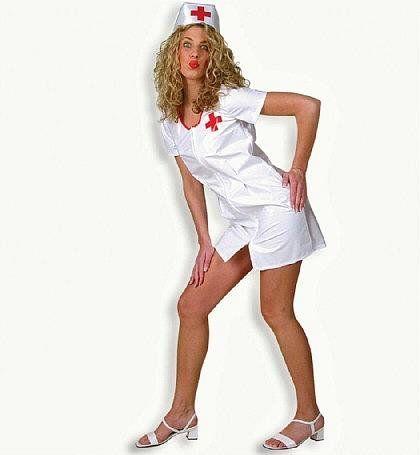 Geile Krankenschwester macht Kussmund