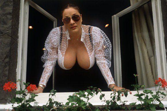 caligula brothel berlin teiniäiti porno