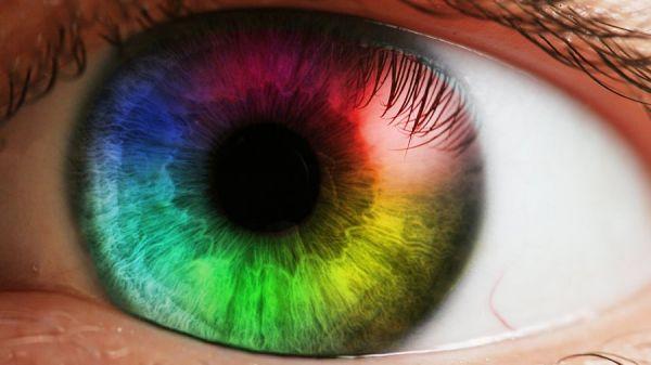 Auge in Regenbogenfarben