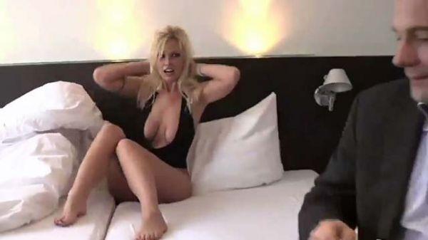 Vivian Schmitt Sex