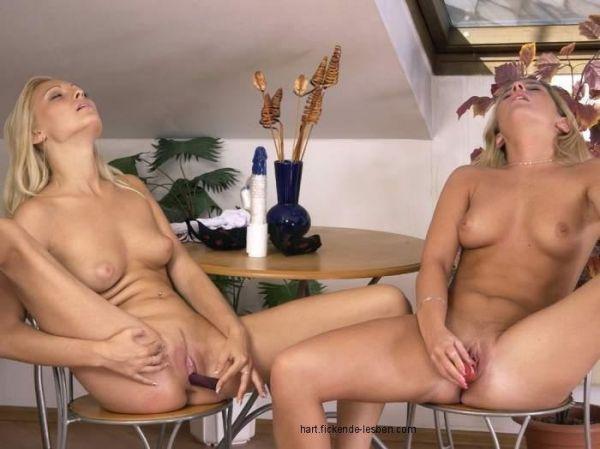 Lesben Masturbieren Zusammen