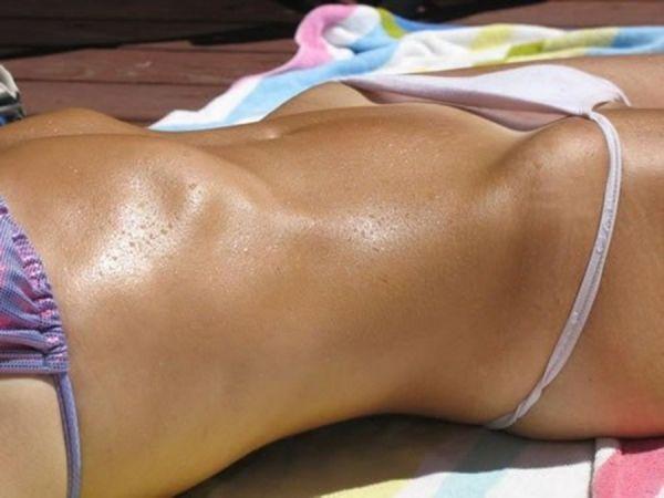 Bikini Girl hat perfekt durchtrainierten Body